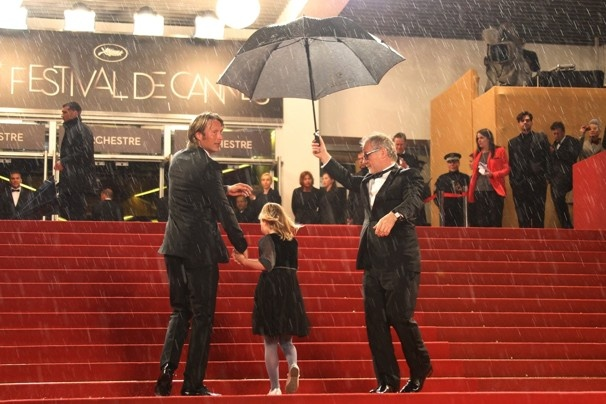 On the Red Carpet Umbrella: Cannes 2012, Le Stars, Stars Sotto, Red Carpets, Carpets Umbrellas