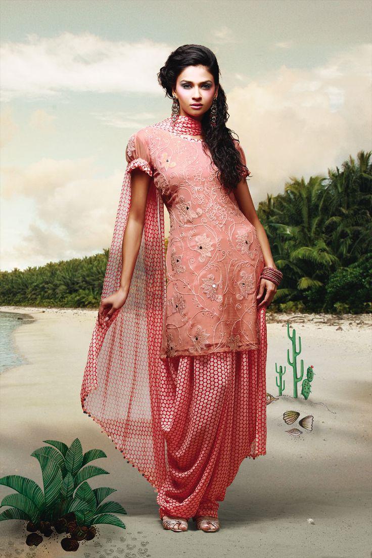 25 best images about Salwar Poses on Pinterest | Designer salwar kameez Green suit and Salwar ...