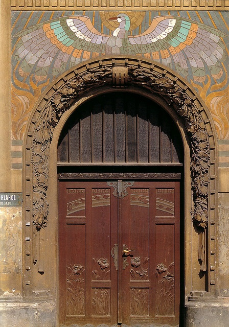 1000 images about doorway on pinterest art nouveau for Door z prague