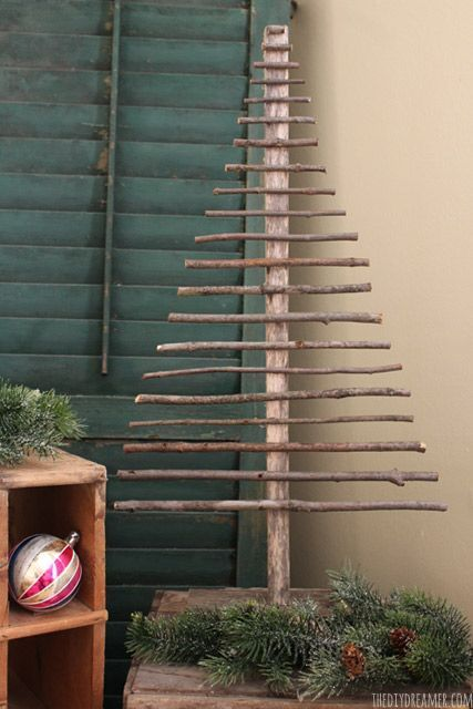 Decorative Twig Christmas Tree - EASY and FREE to make!! Perfect DIY Christmas Craft idea for your Rustic Christmas. Click through to learn how to make one too with an easy step by step tutorial! thediydreamer.com