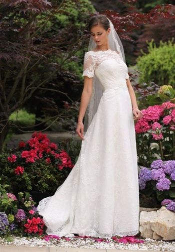 http://www.theknot.com/wedding-dress/lfay/gelba?ctx=1:20:-1:-1&src=res