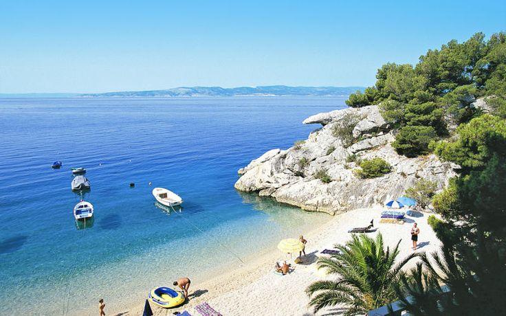 I Kroatien er der skønt klart vand perfekt til en dukkert. Du kan læse mere om Kroatien her: www.apollorejser.dk/rejser/europa/kroatien