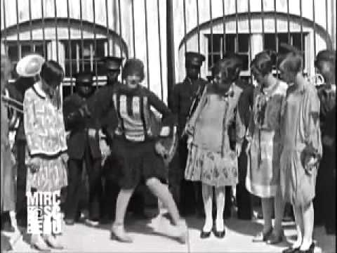 1923 - 1928 Charleston Dance Check out this video showing how these folks  doing the Charleston!  How much fun is that? #1920s #Dance #Charleston