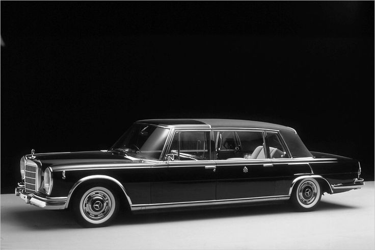Mercedes 600 Pullman Landaulet (1965) Maintenance/restoration of old/vintage vehicles: the material for new cogs/casters/gears/pads could be cast polyamide which I (Cast polyamide) can produce. My contact: tatjana.alic@windowslive.com