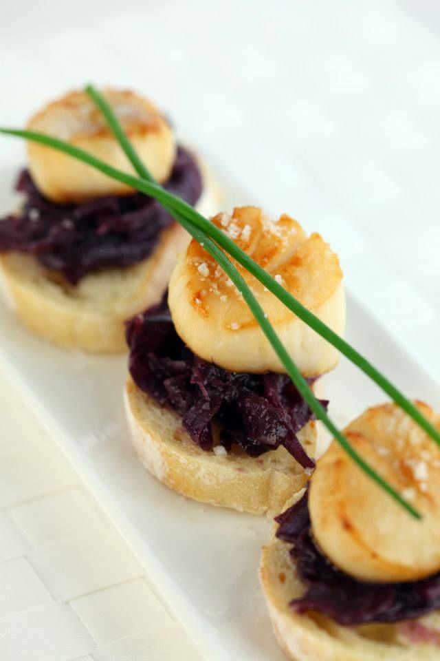Amazing seared Digby scallops with blueberry onion chutney, served by The Kilted Chef onboard the Fundy Rose