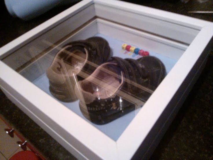 IKEA Hackers: Baby's first shoes display box (RIBBA frame into shadowbox!)