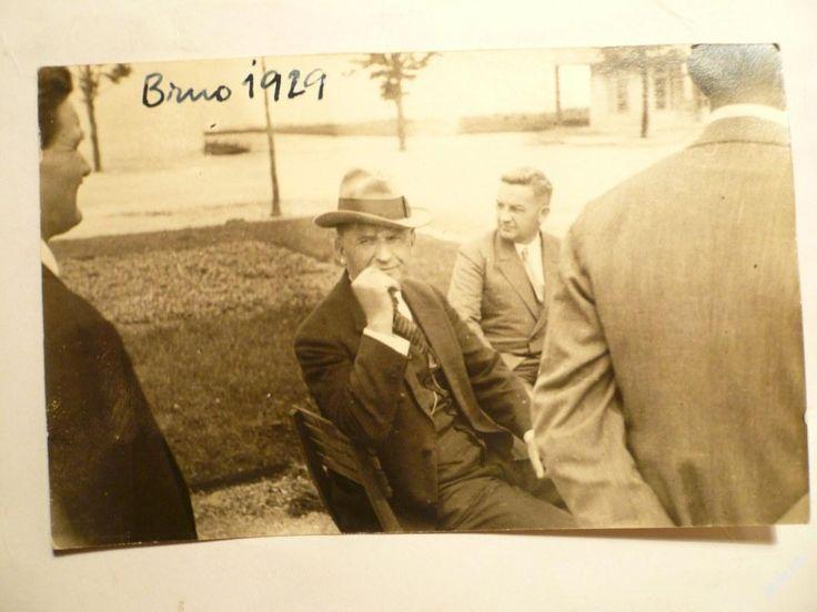 BAŤA - šéf TOMÁŠ BAŤA v Brně !!! rok 1929