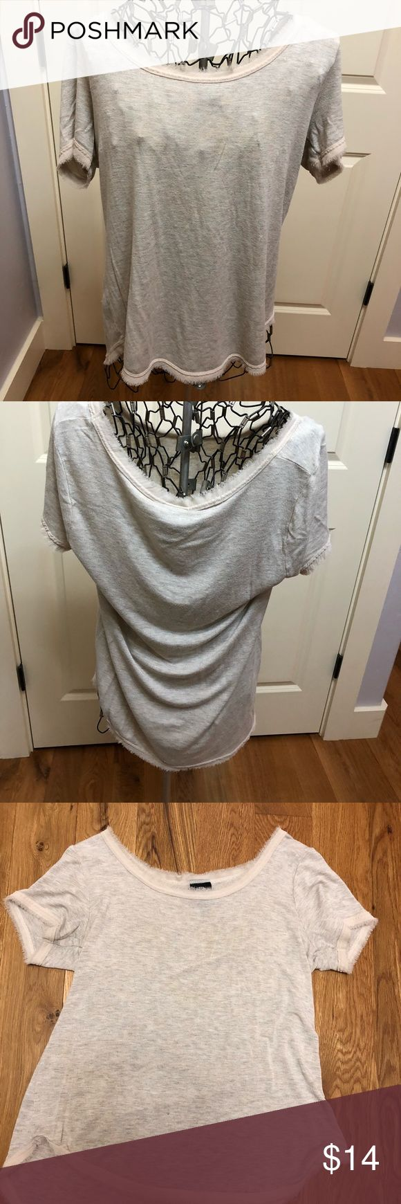 Women's Size Medium Tan Shirt This fun cream women's size M short sleeve top is the perfect T. Comfy yet classy and stylish. Bobeau Tops