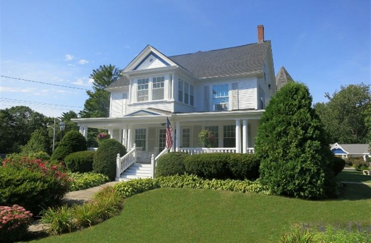 The Victoria Inn Bed & Breakfast And Pavilion In Hampton, New Hampshire....Charming.