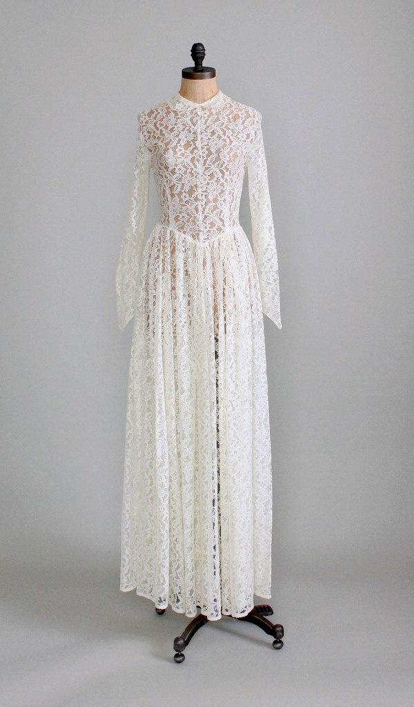 Vintage 1940s Wedding Dress : 40s Ivory Lace Long Wedding Dress. $238.00, via Etsy.