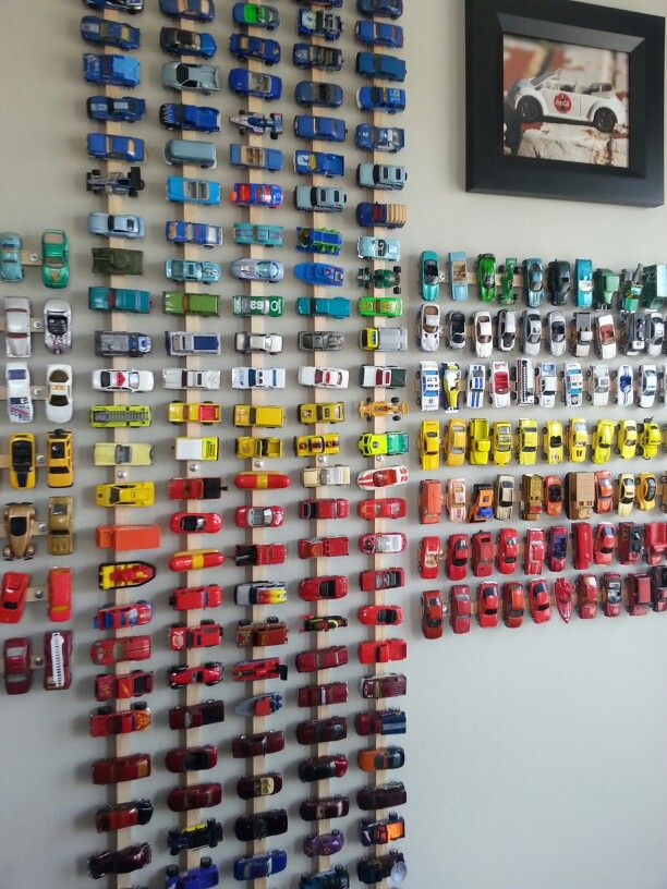Cute wall art idea for a little boy who is obsessed with cars!