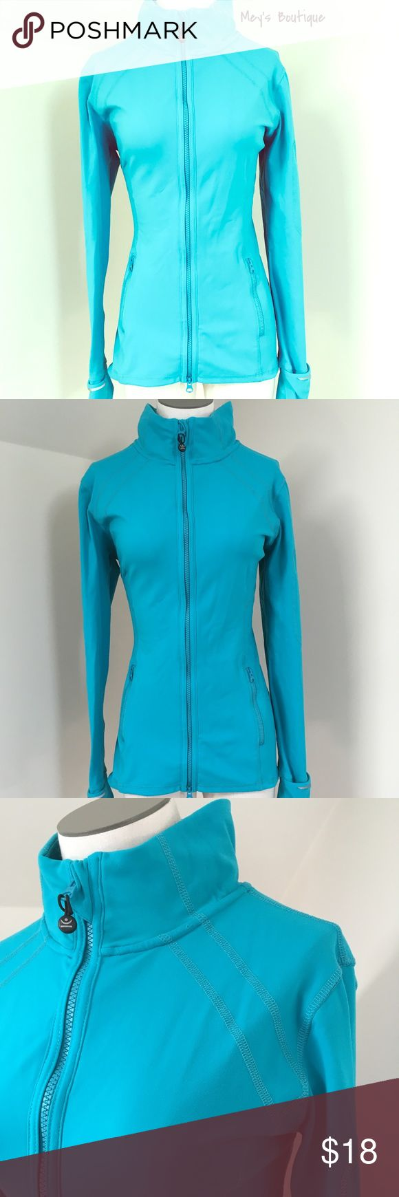 ⭐️Kirkland Blue Spandex Workout Jacket Size M⭐️ ⭐️Kirkland Blue Spandex Workout Jacket Size M⭐️ Kirkland Brand. Excellent Condition! Like New! Next day shipping. Perfect for workouts! Awesome pockets on the arm to hold iPod/phone,  etc. All sales are final. kirkland Jackets & Coats