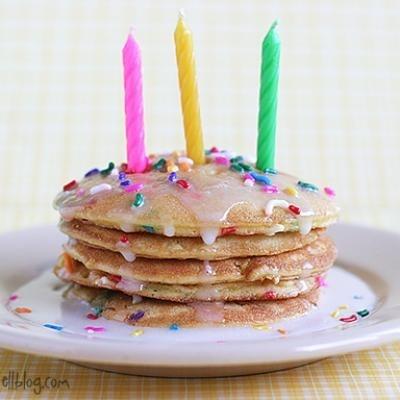 Birthday Cake Pancakes {Birthday Cake}: Special Birthday, Birthday Breakfast, Birthday Treats, Birthday Traditional, Pancakes Birthday, Birthday Pancakes, Birthday Mornings, Birthday Cakes Pancakes, Breakfast Cakes