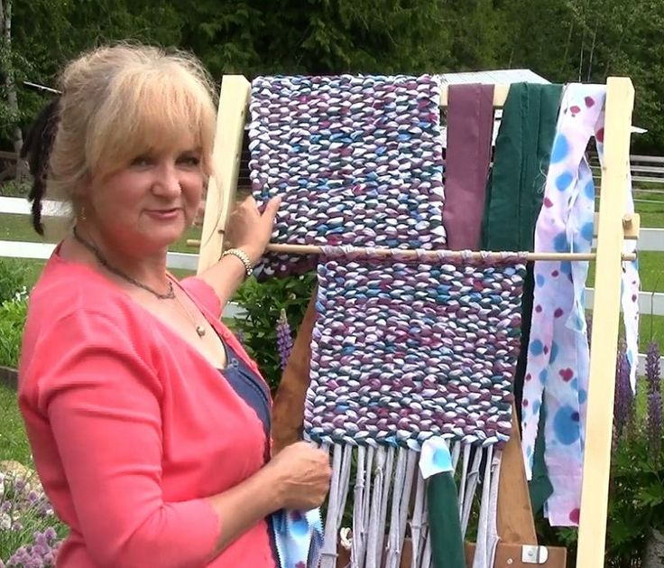 In this free video tutorial series Lynne shows you step by step how to make a rag rug on a simple home made loom. Build your own loom & follow