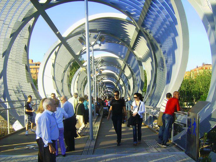 Foto Interior del Puente Perrault de Madrid Río en Madrid - Ociogo