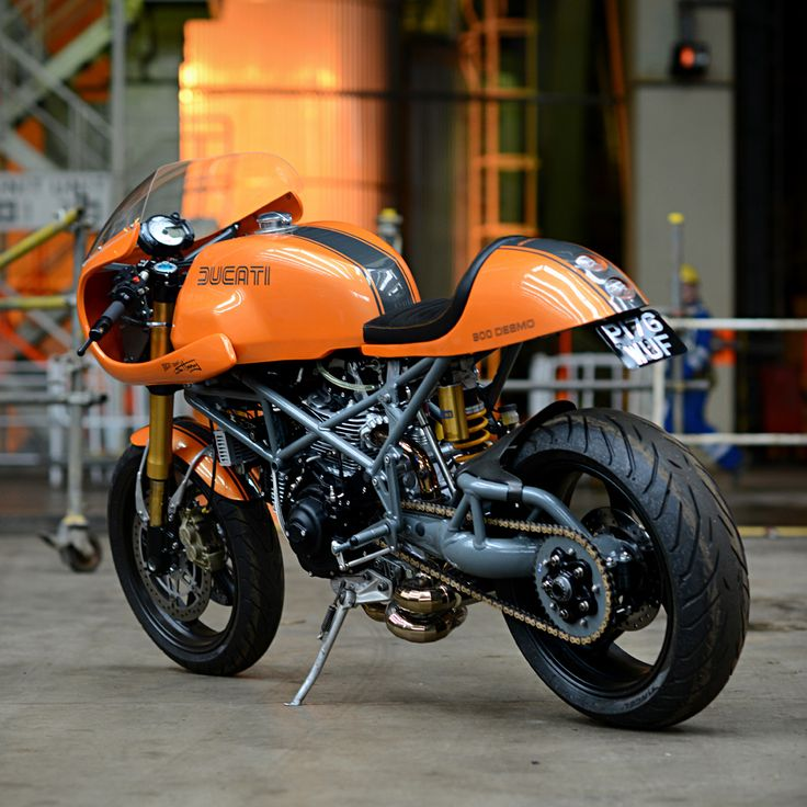 bcbfc23c6b26e7f445540b64012e3dc0 ducati caferacer ducati motorcycles 79 best 900ss images on pinterest html, ducati and biking  at readyjetset.co