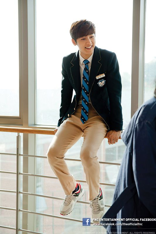 Kang Min Hyuk showed