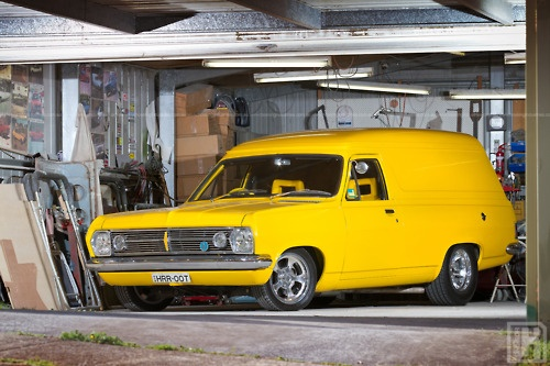 images of Don Mills' 1967 Holden HR panel van, as featured in issue 45 of Custom Utes magazine.