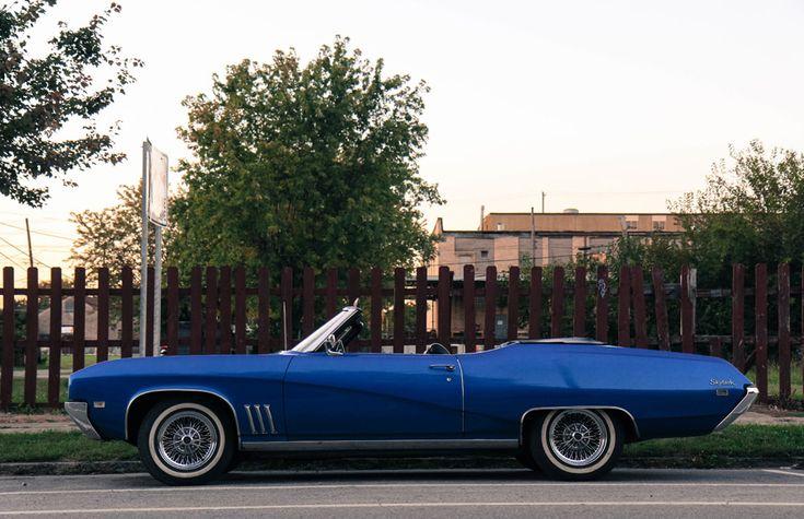 フリー写真 ビュイック・スカイラークのオープンカー