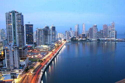"""""""Panama City at Night"""" vía @thinkpanama"""