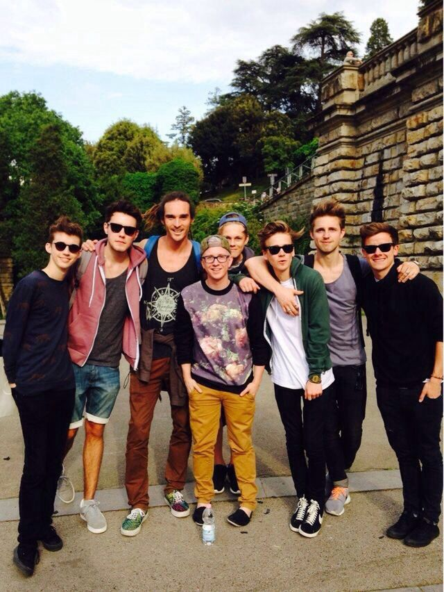 Troye Sivan., Alfie Deyes, Louis Cole, Tyler Oakley, Caspar Lee, Joe Sugg, Marcus Butler, and Connor Franta