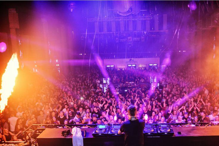#Avondje uit in #Dresden? Voor lekkere dj-beats reis je af naar #Kraftwerk #Mitte, waar ook topartiesten als #Martin #Solveig en #Robin #Schulz al hun sound lieten horen!