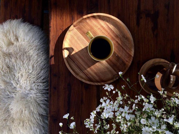 """126 Gostos, 2 Comentários - Andreia Barata Costa (@andreiacostahandmade) no Instagram: """"""""Life happens, Coffee helps..."""" ainda mais se for no jardim, numa manhã de verão.  Bom dia. Boa…"""""""