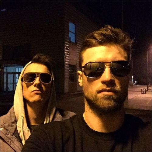 i wear my sunglasses at night Andrzej Wrona i Wojtek Włodarczyk