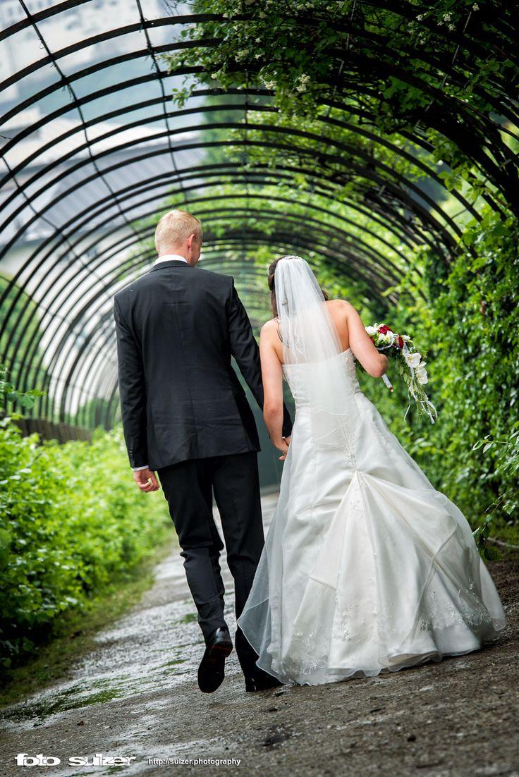 Hochzeit im Schloss Mirabell und auf der Engelsstiege bei Regen