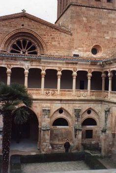 Monasterio Santa Maria de Huerta, claustro Herreriano (Plateresco) Soria Spain