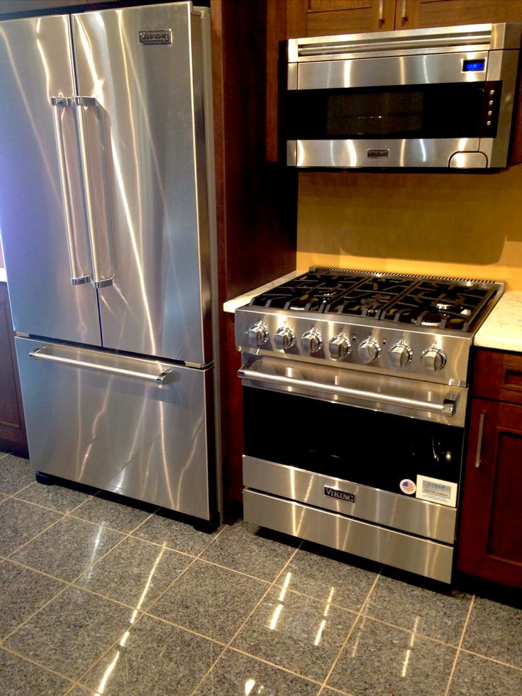 viking refrigerator inside. viking appliances. refrigerator, microwave, stovetop, and oven. #nonnsappliances www refrigerator inside i