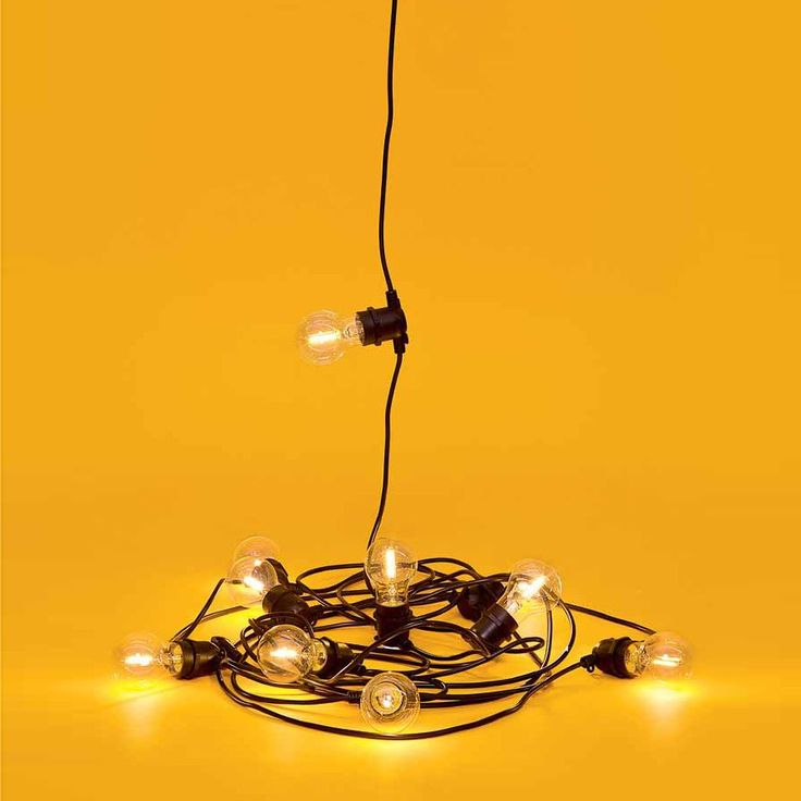 Set 10 luci a ledda giardino con lampadina trasparente di Seletti. Lunghezza totale filo: 14 mt.