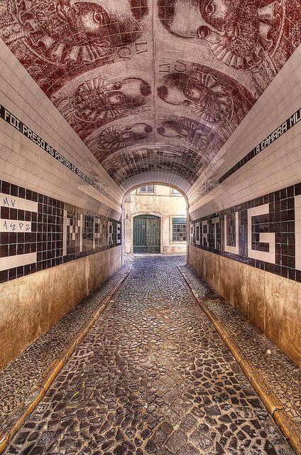 Túnel do Pátio do Tronco | Lisbon, Portugal