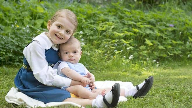 Prinsessa Estelle ja prinssi Oscar.
