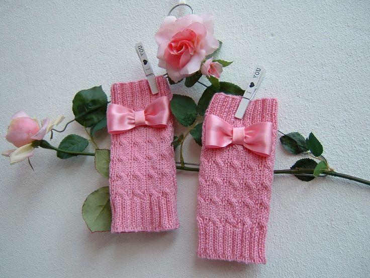 Mezzi guanti in pura lana rosa con i fiocchi-Manicotti lavorati ai ferri-Guanti senza dita a maglia-Scalda polsi di lana : Mezziguanti, guanti di i-pizzi-di-anto