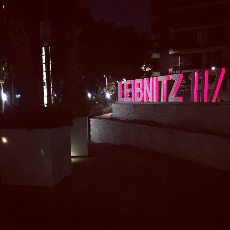 iModae en la noche; Ven y conoce la primera escuela de negocios de moda en México. www.imodae.com #FashionSchool
