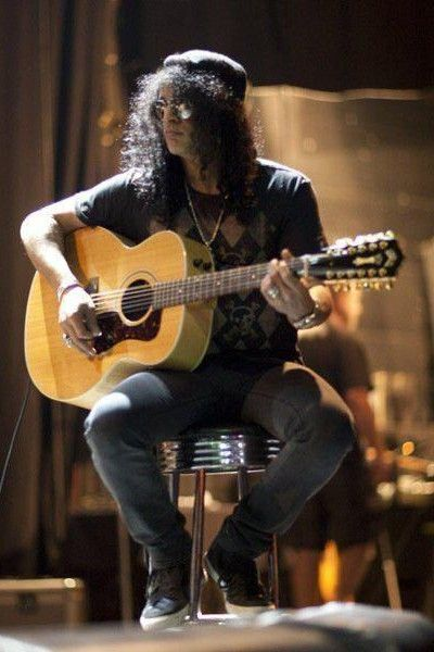 Slash live photo & picture gallery