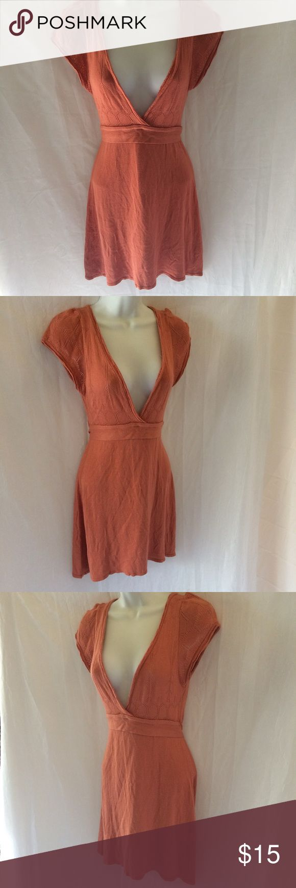 Knit Top Bt Dolca Vita Knit Top Bt Dolca Vita Burnt Orange Color Tie Back Very Open Front Mid Length Made In USA RN# 39455 Dolca Vita Tops Blouses