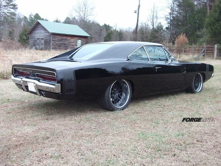 Eddie's 512ci '69 Dodge Charger, built by North Carolina's Custom Classics and Restorations,