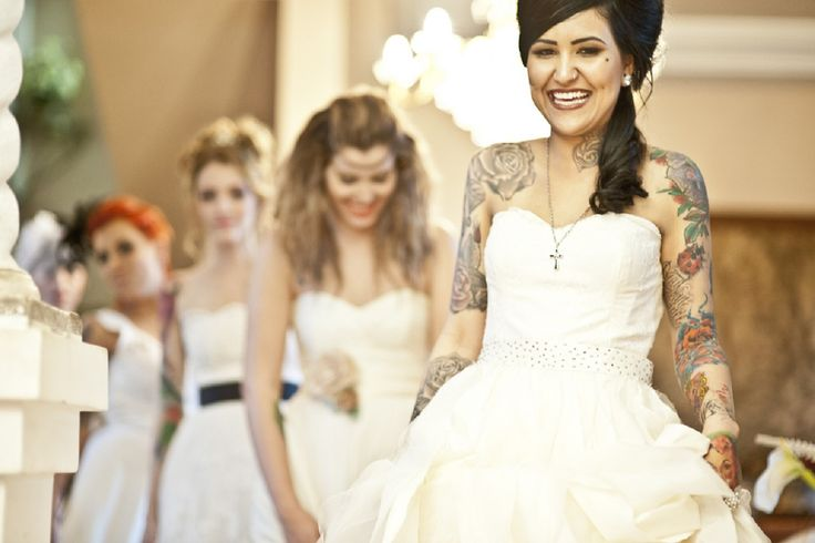 Tetovált menyasszonyok!? - Szerinted szépek a tetovált menyasszonyok? Vagy esetleg éppen Ti voltatok tetovált menyasszonyok? :)