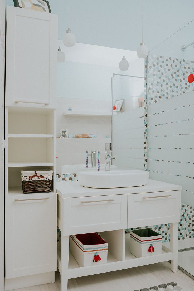 Bathroom #classicstyle #furniture #american #style #bathroom #forchildren #saramob #design #romania