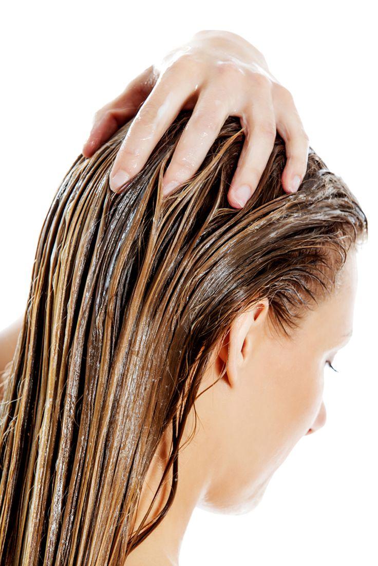 A hajuk minden nap szenved az őt érő külső hatásoktól. Ugyanígy károsítja a hajfestés, a hajszárító és hajvasaló. Mit tegyünk? Vegyünk drága hajregnáló szereket, vagy fussunk be egy szalonba egy regeneráló kezelésre? A haj fényességének és erejének visszaállításában segítségünkre lehet egy kitűnő és hatásos otthoni pakolás! Ugyanúgy hatásosak, egyszerűen elkészíthetőek és viszonylag olcsóak. A mai...Olvasd tovább