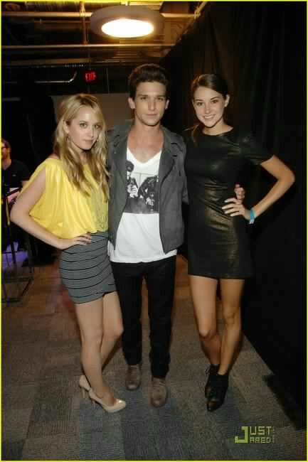 Megan Park, Daren Kagasoff & Shailene Woodley