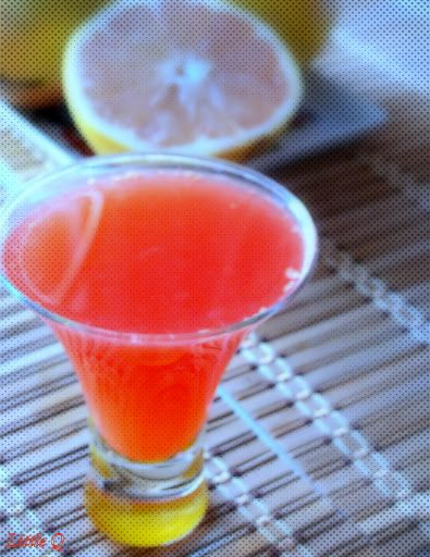 Dr OZ's  swimsuit slim-down drink.Very tasty, you can be addicted to it. 1 cup of grapefruit juice  2 tablespoons of apple cider vinegar  1 teaspoon honey.