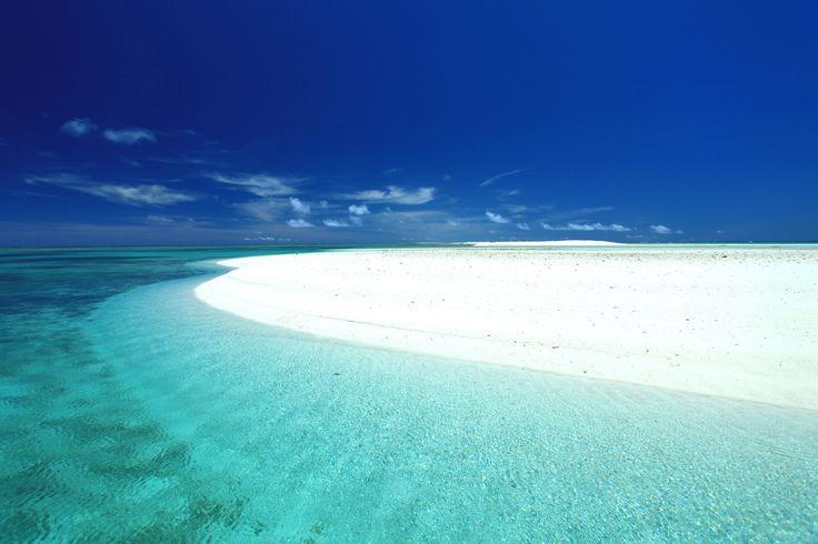 Hate-no-Hama, a 7km-long sandbar, off Kume-Jima(Island), Okinawa