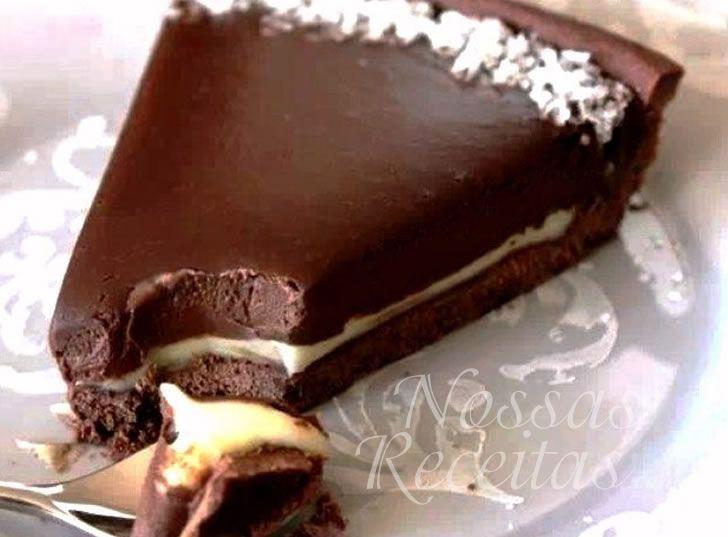 Alguém consegue resistir? Eu não... Base de brownie + cremosidade do chocolate