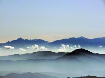 20111009_長野県松本市_乗鞍岳 剣ヶ峰頂上から南アルプス01rs