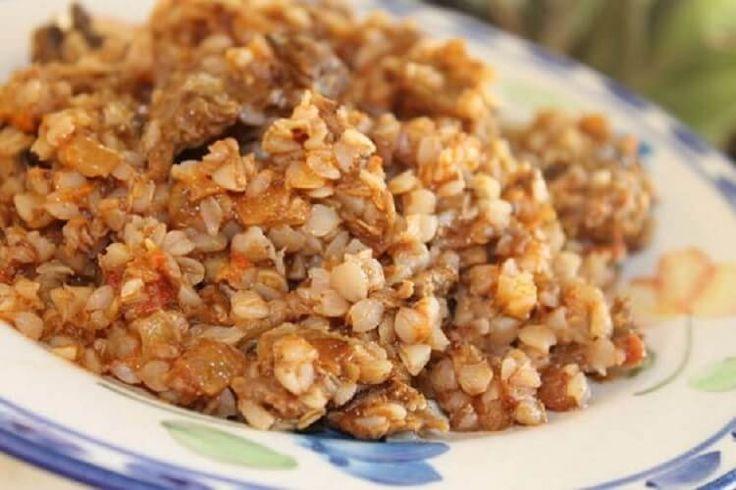 Гречка лучшие рецепты —просто палочка-выручалочка для домашнего семейного ужина. Очень сытно, вкусно, не затратно по продуктам и быстро по приготовлению.Ингредиенты:гречка (промытая) — 15