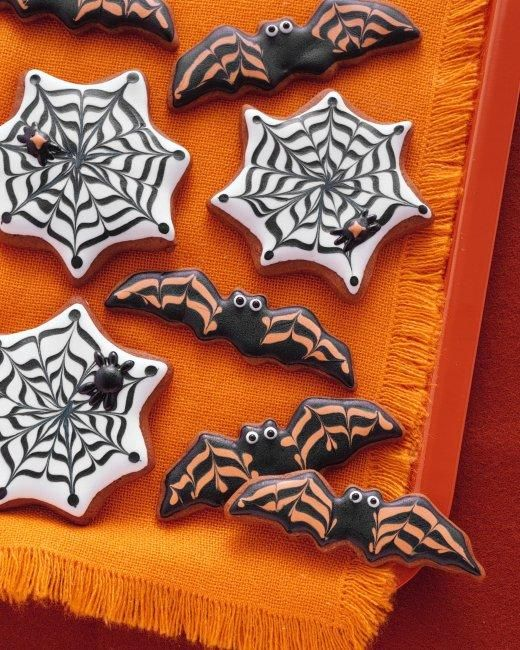Bat and Cobweb Cookies Recipe: Decor Cookies, Cookies Recipes, Cobweb Cookies, Martha Stewart, Halloween Recipes, Halloween Treats, Halloween Sweet, Spiders Web, Halloween Cookies