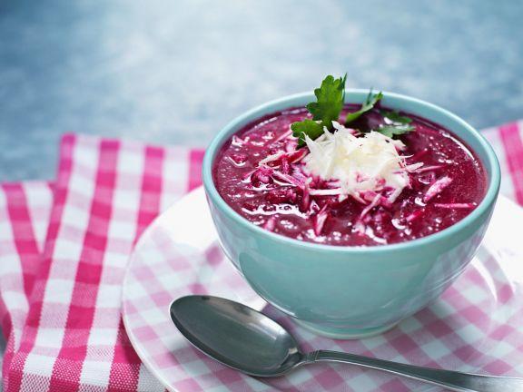 Cremige Rote-Rüben-Suppe mit Meerrettich ist ein Rezept mit frischen Zutaten aus der Kategorie Gemüsesuppe. Probieren Sie dieses und weitere Rezepte von EAT SMARTER!